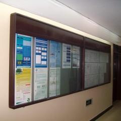 学校复古烤漆宣传栏橱窗 挂墙式公告栏 1.5m*2.4m 推拉玻璃款